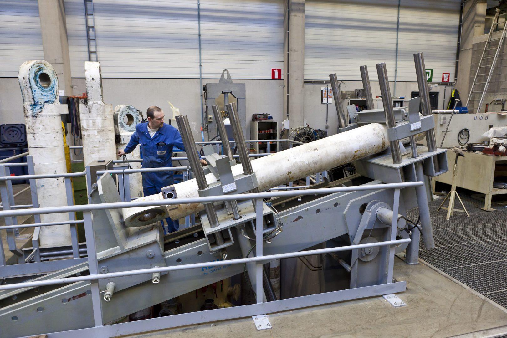 uniek kantelsysteem hydraulische cilinder